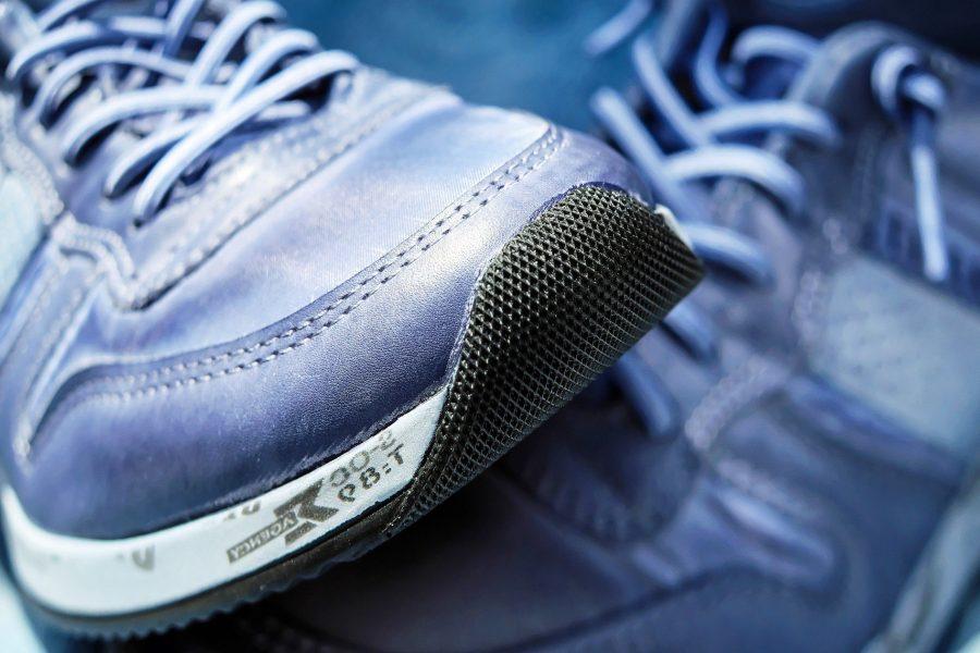 Sport shoe 1470061 1920