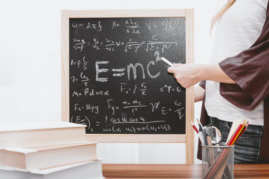 Einstein 5Ekw8Z7Cge4